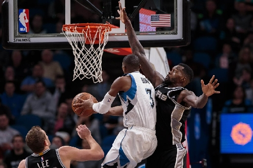 Spurs defense offers T-Pups another harsh lesson