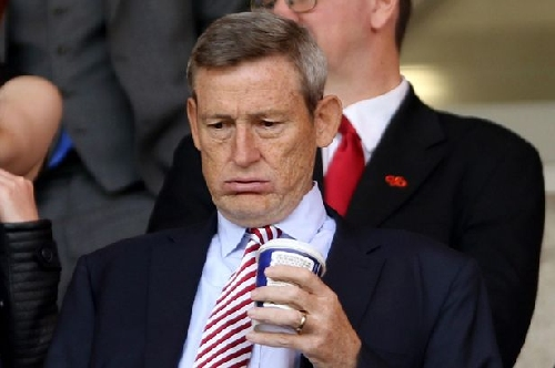 Sunderland owner Ellis Short has set an example to rival chairmen, says Stan Collymore
