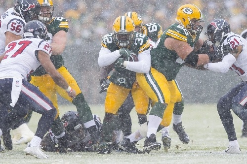 Cheese Curds, 12/7: Packers face tough weather down the stretch, Matthews' shoulder remains a problem