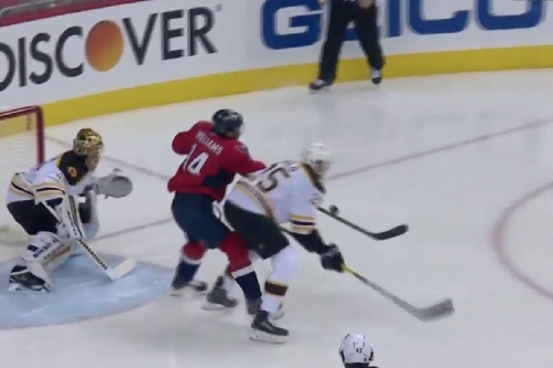 Capitals best NHL's hottest goaltender 23 seconds into game on funky deflection