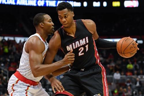 Hawks extinguish losing streak with 103-95 win over Heat