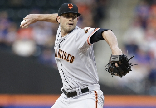 Mariners acquire right-handed pitcher Chris Heston from the Giants