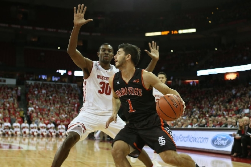 Defense stymies Idaho State as Badgers roll to 78-44 win