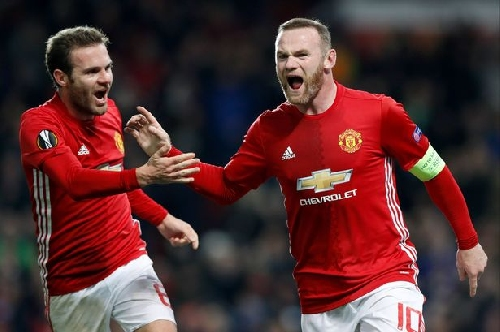 Wayne Rooney and Juan Mata pose Manchester United dilemma vs Zorya