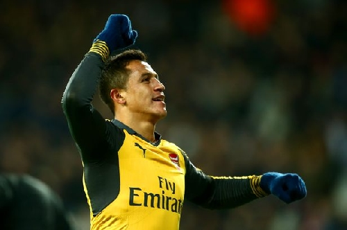 Arsenal manager Arsene Wenger issues Alexis Sanchez vow after Man City link