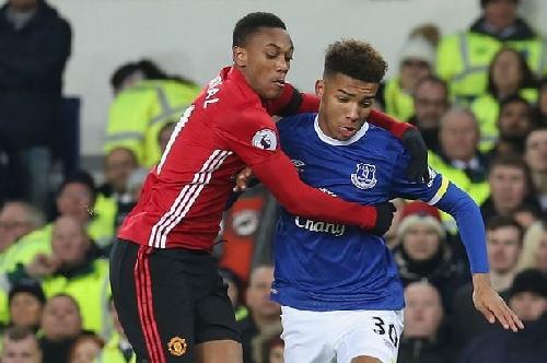 Everton defender Mason Holgate on first-team chance - 'I'm ready to go'