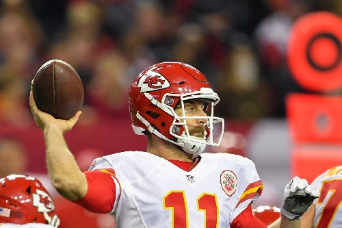 Alex Smith is on national TV so of course he's throwing deep TD passes