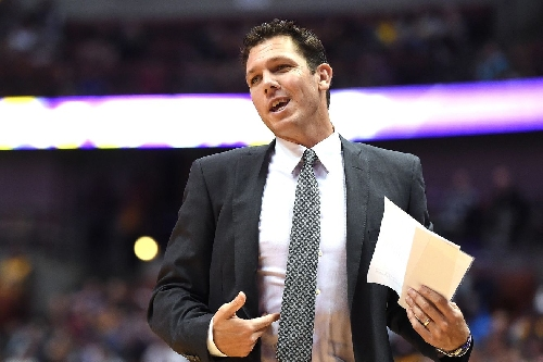 Luke Walton hopes the Lakers' style of play can help recruit free agents