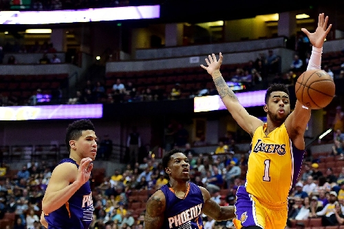 Lakers Podcast: Are D'Angelo Russell and Devin Booker rivals?