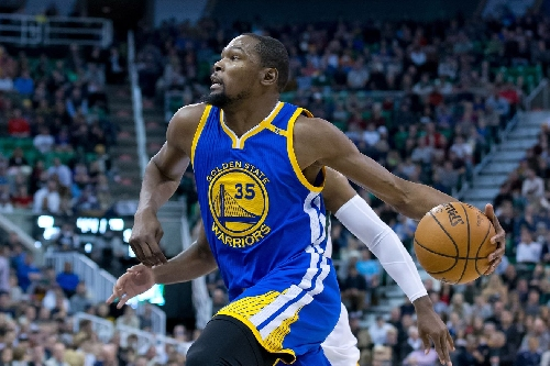 Explain One Play: Draymond Green to Kevin Durant backdoor dunk