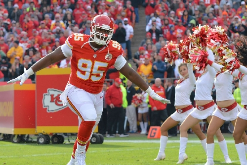 """Chris Jones called this a """"mild cold"""". He'll fit in just fine with the Chiefs"""
