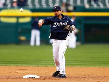 Tigers bring back veteran infielder Omar Infante on minor-league contract