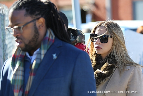 Will Smith standing upright when shot by Cardell Hayes, pathologist says