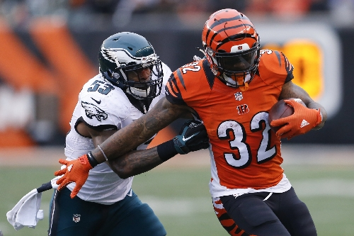 Eagles LB Nigel Bradham hit with hefty fine for horse-collar tackle vs. Bengals