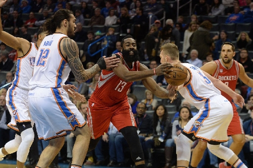 Rockets hold on to win tight one over Thunder, 102-99