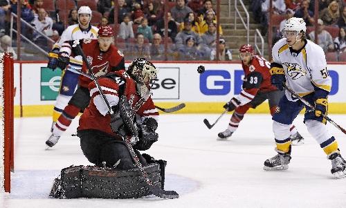Goligoski, Dauphin score in 1st, Coyotes beat Predators 4-1 The Associated Press