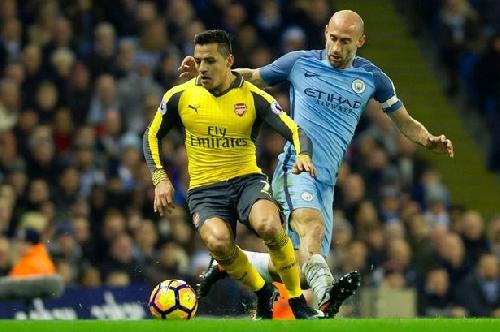 Pablo Zabaleta gives Man City injury update and reveals his bravery vs Arsenal