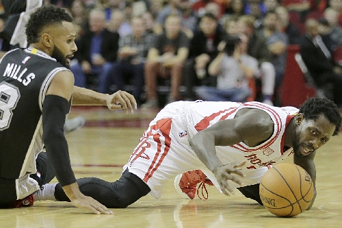 Rockets give up big lead late, drop close one to Spurs 102-100