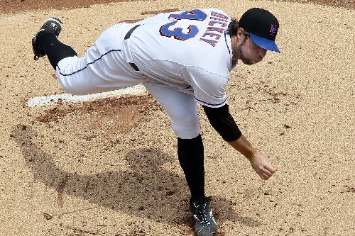 Mets Morning News: Phillies acquire Clay Buchholz, anniversary of R.A. Dickey signing