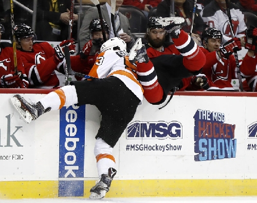 Devils shoot, punch past Flyers to end 7-game slide | Rapid reaction