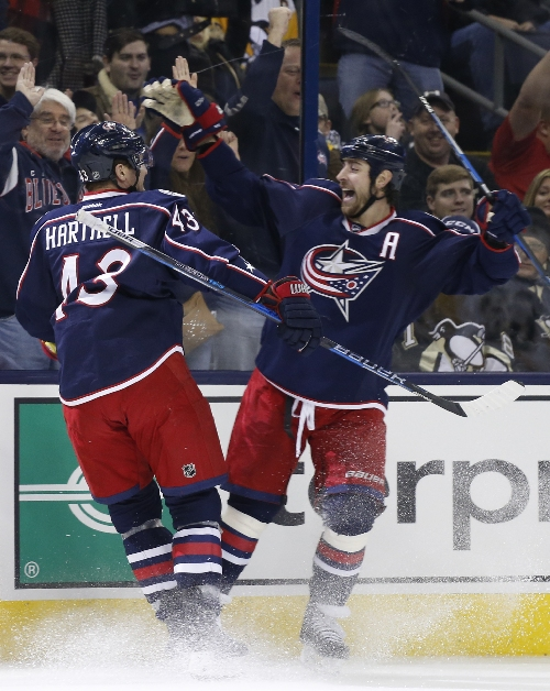 Blue streak: Jackets rout Penguins 7-1 to take Metro lead The Associated Press