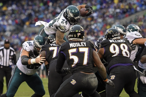 Eagles' Ryan Mathews out for season with herniated disc