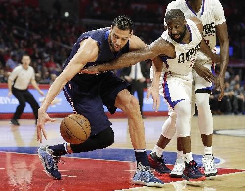 Mavs beat Clippers 90-88 on Barnes' jumper The Associated Press
