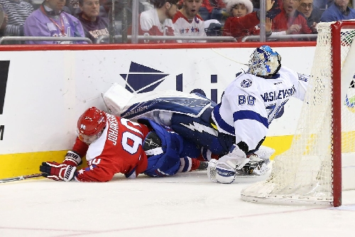 Quick Strikes: Lightning's Christmas gift is the time to heal