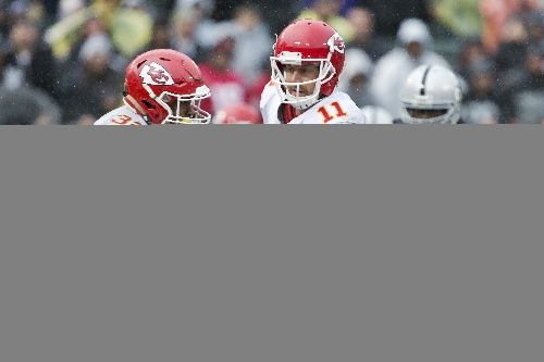 Broncos at Chiefs Week 16: Who has the edge and three things to watch
