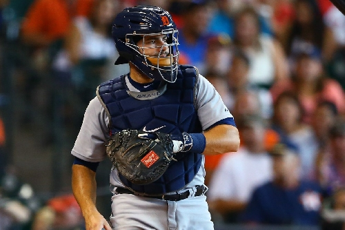 Detroit Tigers sign catcher Alex Avila to a 1-year, $2-million deal for 2017