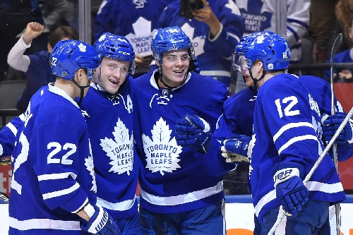 WATCH: What would the Leafs get each other for Christmas?