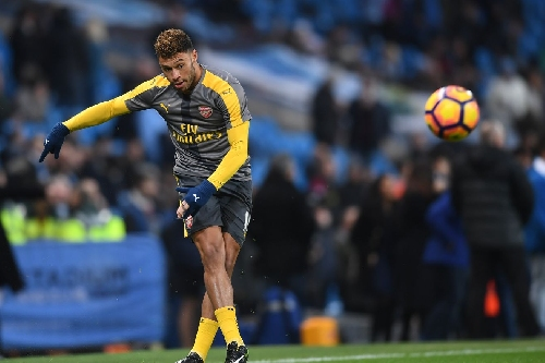 Liverpool consider buying Alex Oxlade-Chamberlain
