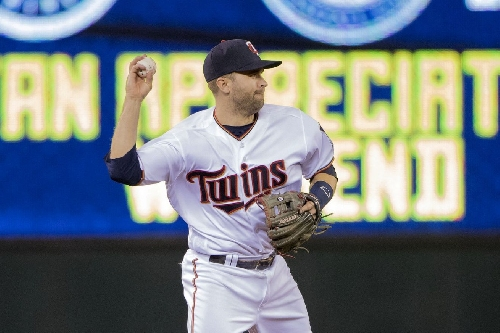 Comparing Brian Dozier with in-house second base options