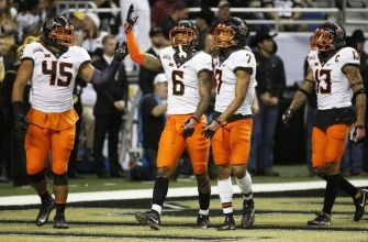 Oklahoma State Alamo Bowl: Halftime thoughts