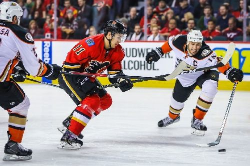Calgary with a 2pt give-away to Anaheim as they struggle to stay in a Playoff Position