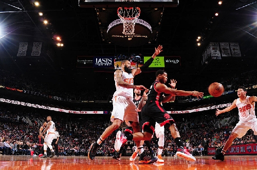 Raptors lose a sloppy one to Suns to close out 2016