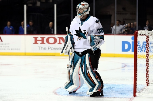 Dell blanks the Flyers, Sharks win 2-0