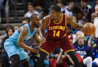 LeBron James and, yes, Jordan McRae help Cavs make up for no Kyrie Irving in 121-109 win over Charlotte
