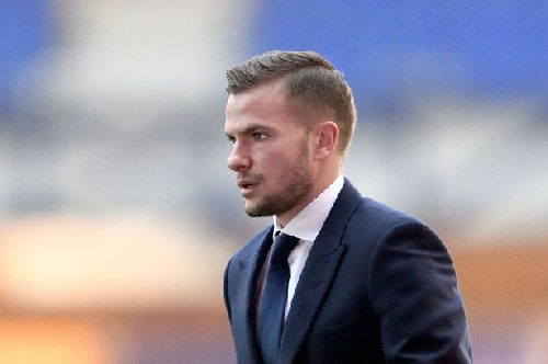 Everton boss Koeman pondering Tom Cleverley January exit