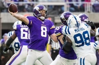 Sam Bradford shatters Minnesota Vikings and NFL records for accuracy