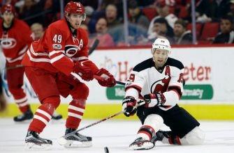Devils spoil Hurricanes' home streak with 3-1 win