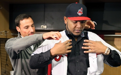 Five things we know about Cleveland Indians' Edwin Encarnacion and his parrot