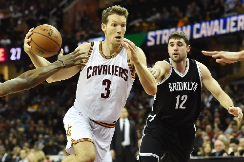 Instant analysis: What did the Cavs give up for Kyle Korver?