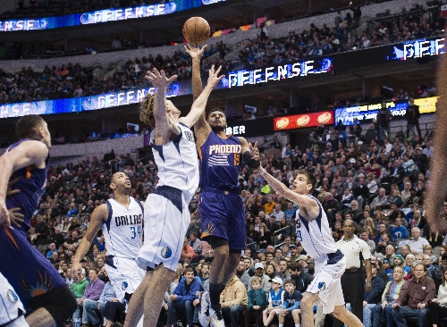 Suns notes: Leandro Barbosa providing boost off the bench