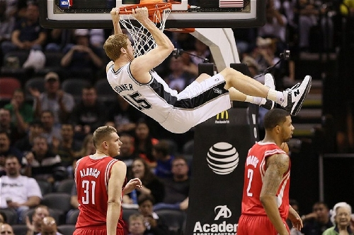 Matt Bonner retired from the NBA in the most Bonnerific way possible