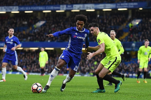 Willian defends John Terry, says Peterborough player should've been carded for diving instead
