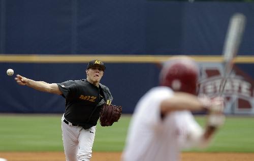 MLB mock draft tracker: Pitching for Diamondbacks?