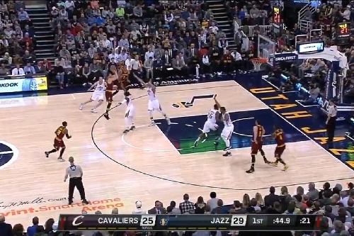 Watch: Kyle Korver makes his first basket as a Cavalier