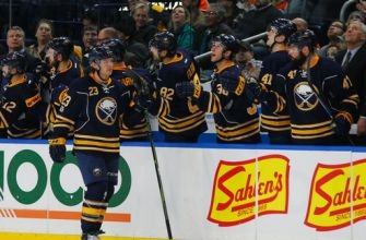 Kane caps second-period surge, Sabres beat Flyers 4-1
