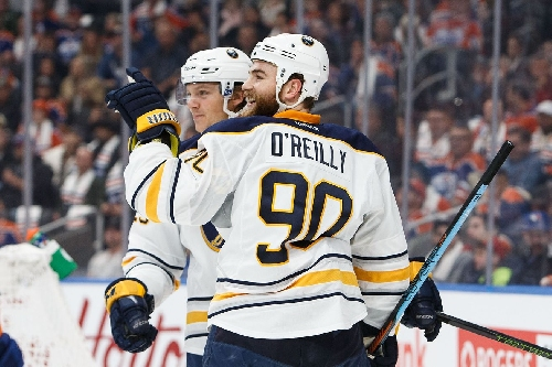 Big second period lifts Sabres to 4-1 victory against Flyers
